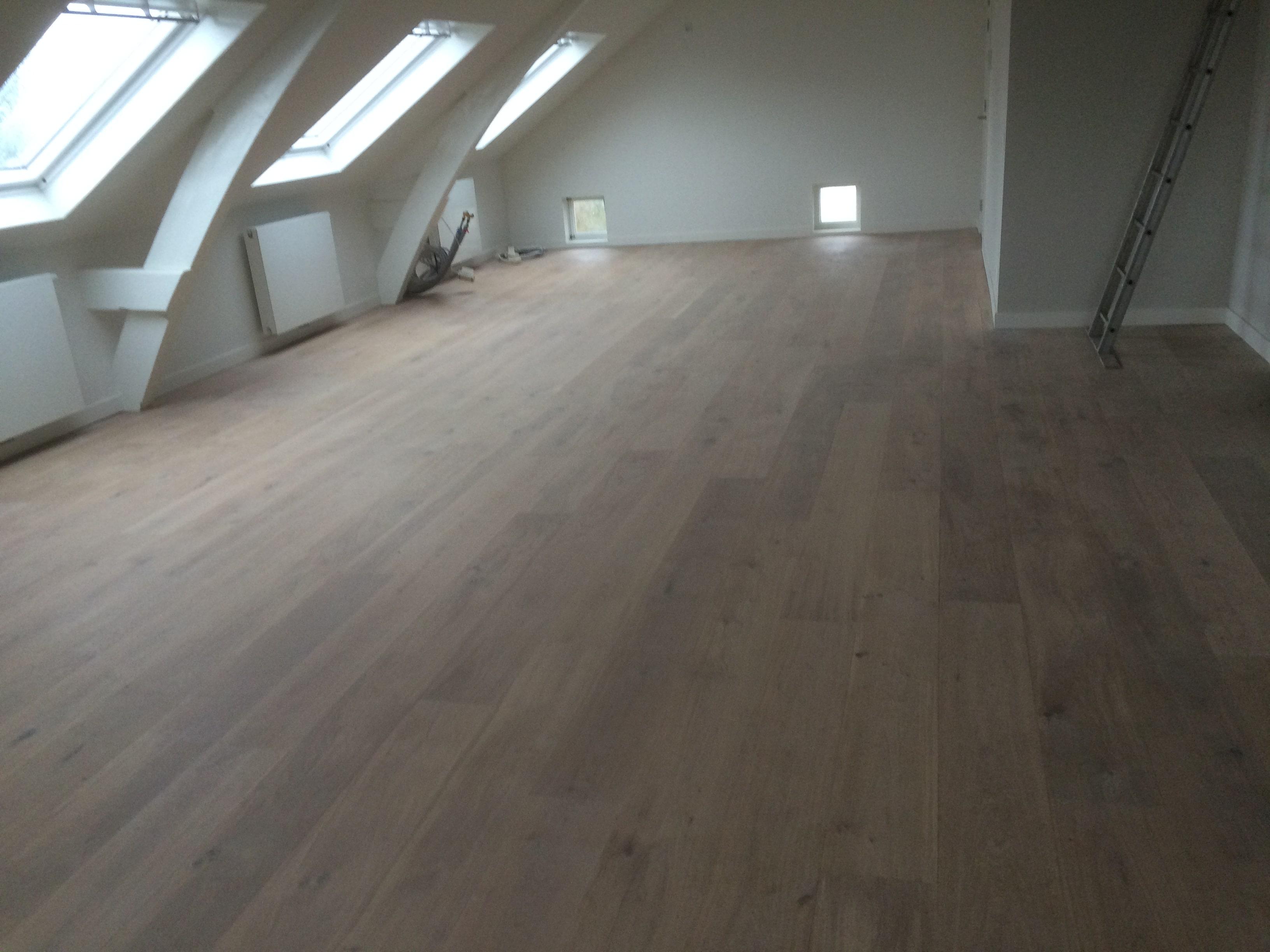 Chateau Vloeren Helmond : Chateau houten vloeren vrolijks tapijt totaal